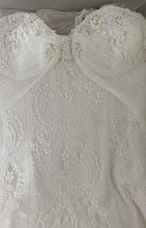 Sassi Holford | Wedding Dress | Fit to Flare | C2580