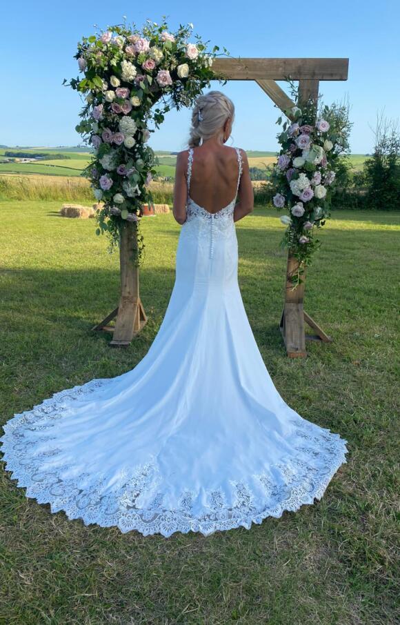 Luna Novias   Wedding Dress   Fit to Flare   C2515