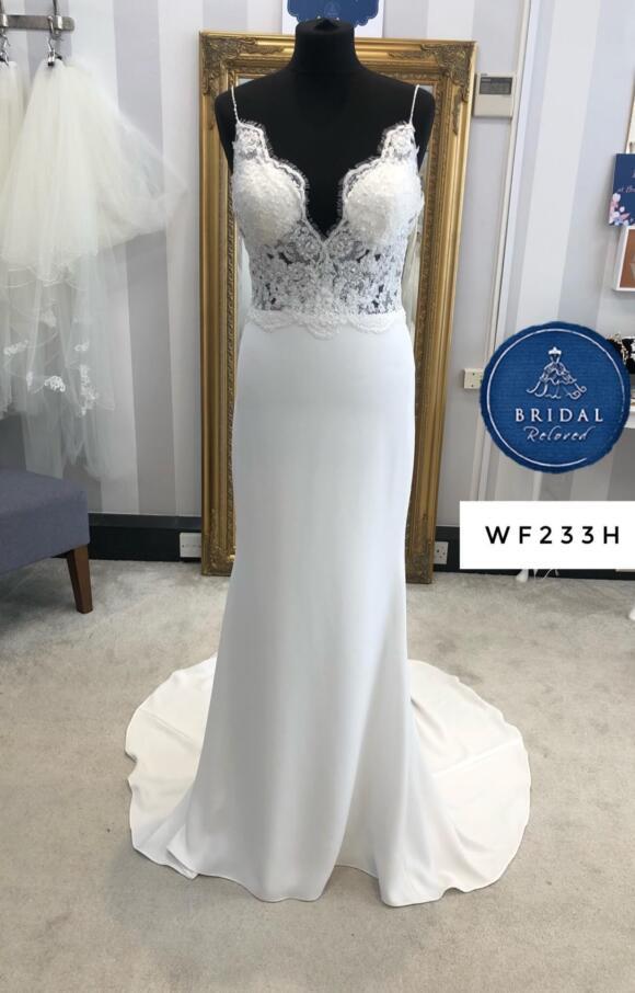 Alan Hannah | Wedding Dress | Column | WF233H