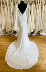 Pronovias | Wedding Dress | Fit to Flare | L463
