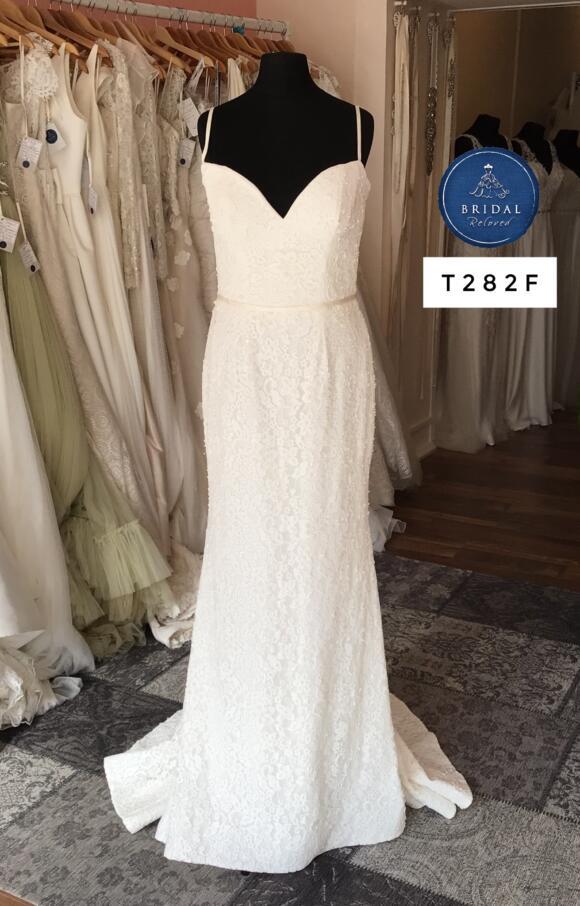 Stephanie Allin | Wedding Dress | Fit to Flare | T282F