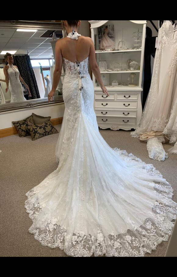Ronald Joyce   Wedding Dress   Fit to Flare   C2661