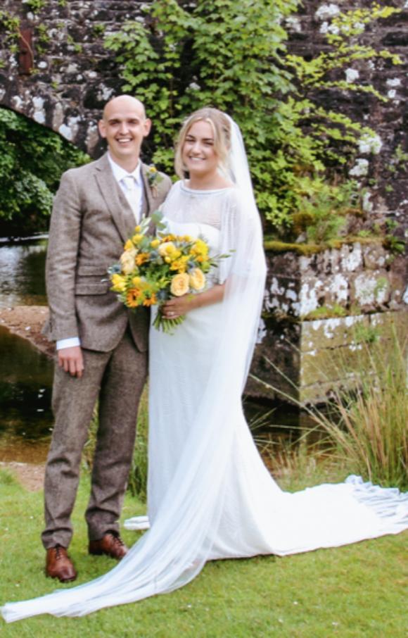 Eliza Jane Howell   Wedding Dress   Fit to Flare   C2597