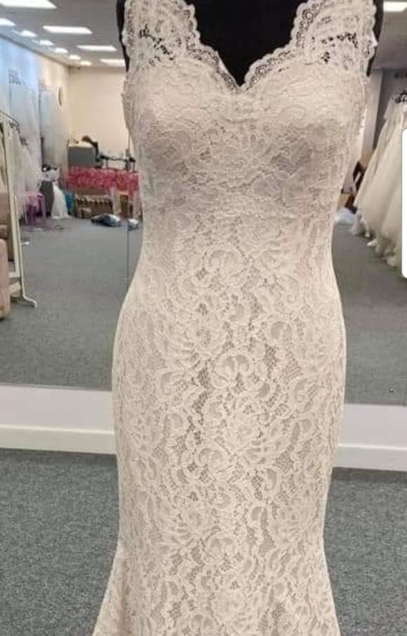 Wild Rose Bridal | Wedding Dress | Fit to Flare | C2556