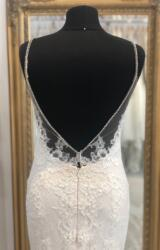 Enzoani   Wedding Dress   Fit to Flare   WF361H