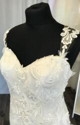 Mark Lesley   Wedding Dress   Fit to Flare   C248JL