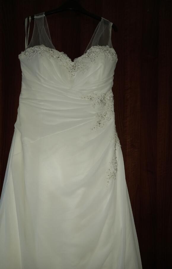 White Rose | Wedding Dress | Aline | C2617