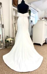 Sassi Holford | Wedding Dress | Fit to Flare | LE437M
