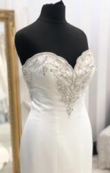 Venus | Wedding Dress | Fit to Flare | WF339