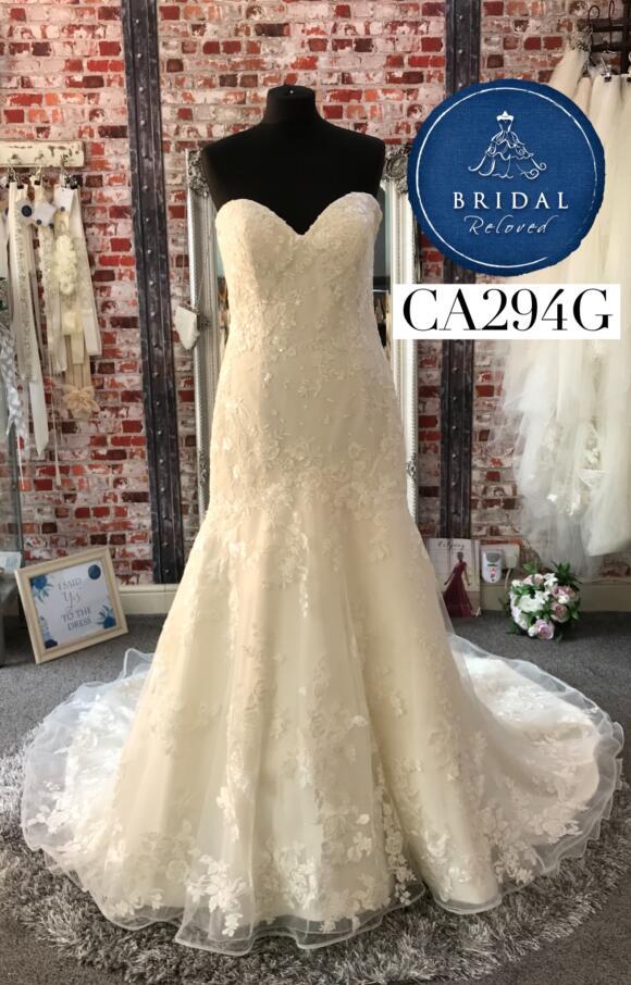Mon Cheri   Wedding Dress   Fit to Flare   CA294G