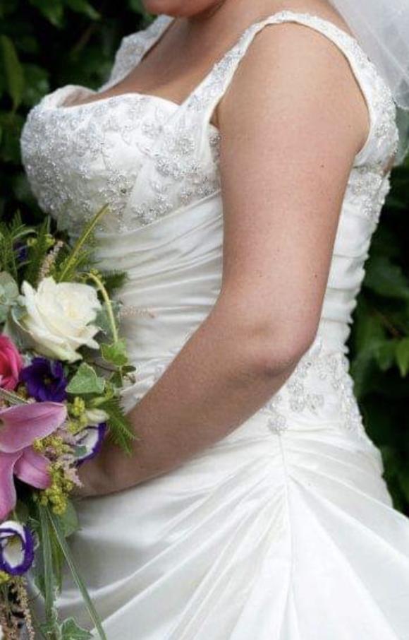 Essence of Australia   Bridal Dress   Ballgown   C2642