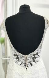 Essense | Wedding Dress | Fit to Flare | D1219K