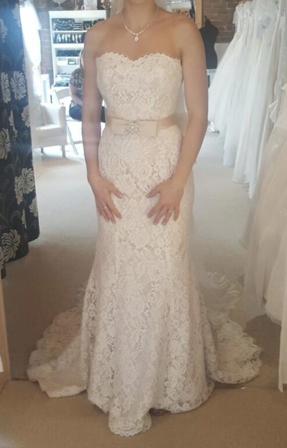 Unknown Designer   Wedding Dress   Fit to Flare   C2611