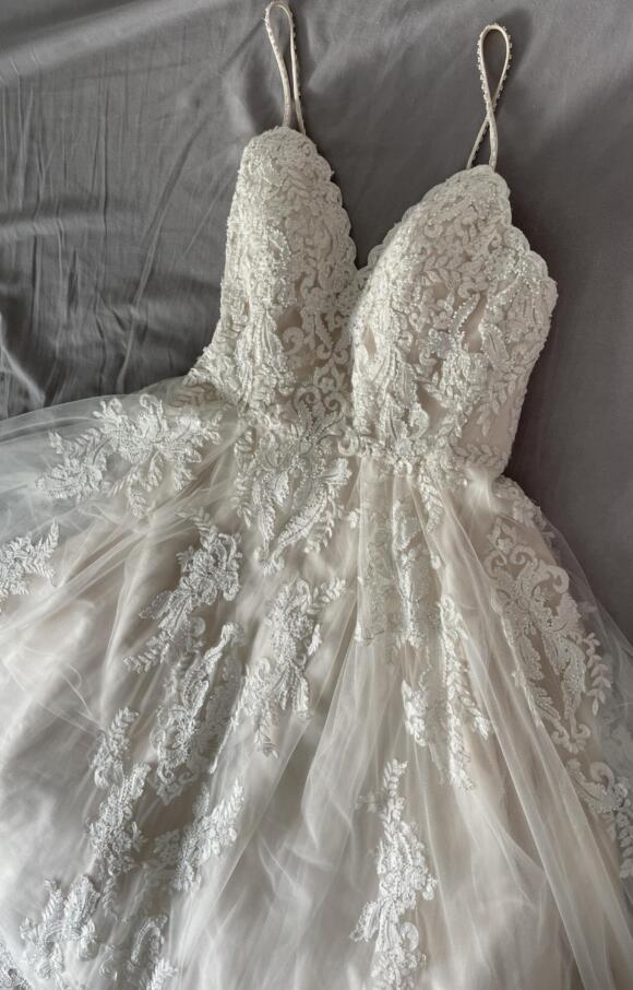 Art Couture | Wedding Dress | Aline | C2608