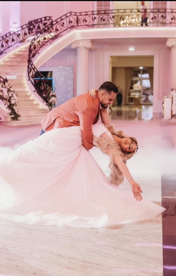 White Rhapsody | Wedding Dress | Aline | C2590