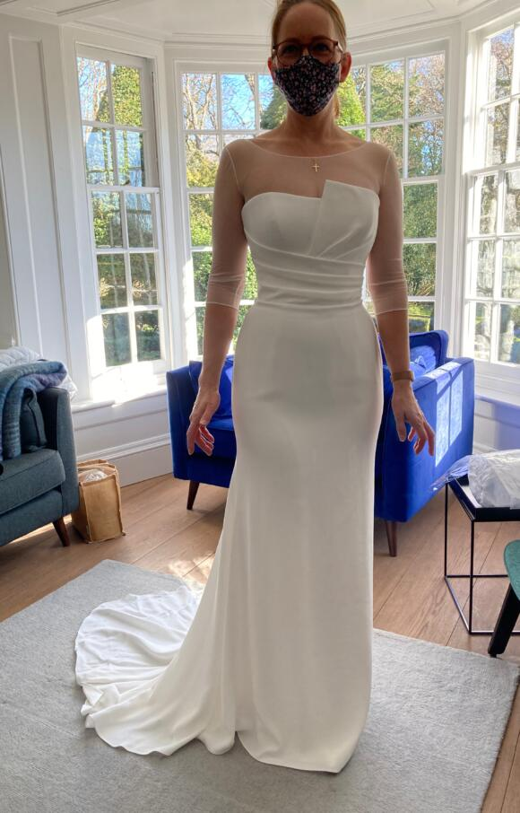 Suzanne Neville | Wedding Dress | Fit to Flare | C2591
