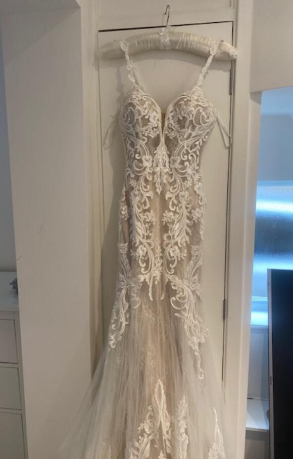 Elysee Bridal   Wedding Dress   Fit to Flare   C2624