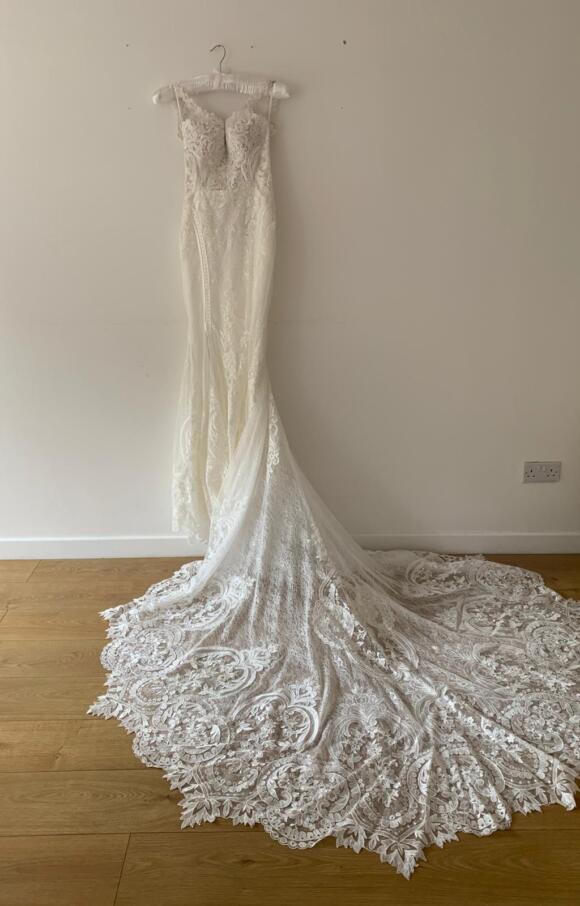 Martina Liana   Wedding Dress   Fit to Flare   C2630