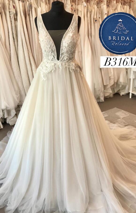 White April | Wedding Dress | Aline | B316M