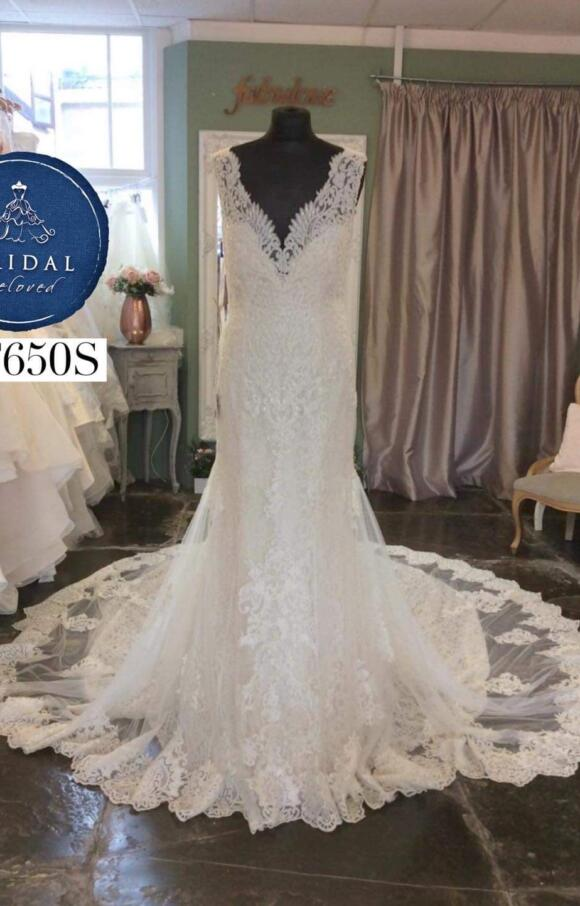 Rosa Clara   Wedding Dress   Fit to Flare   ST650S