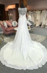 Lillian West   Wedding Dress   Fit to Flare   G9C
