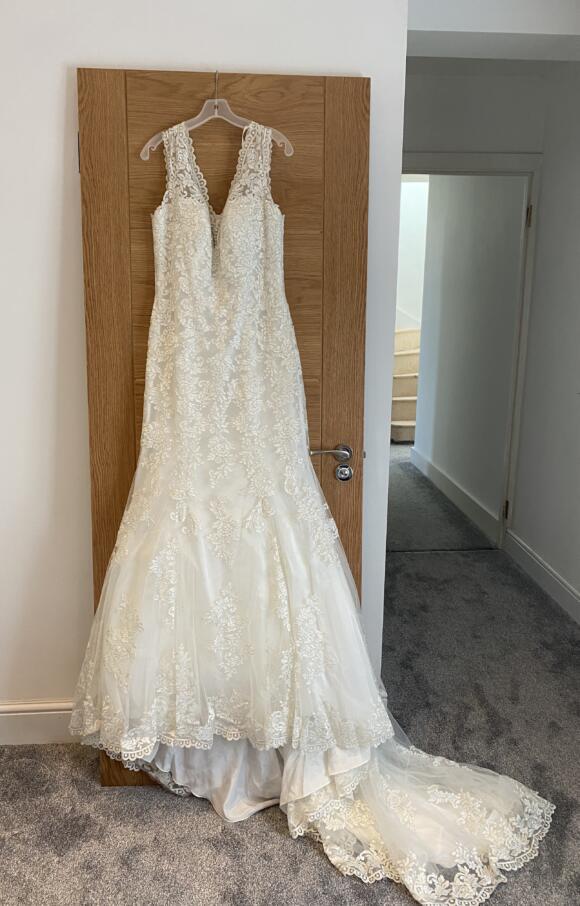 Mori Lee | Wedding Dress | Fit to Flare | C2648